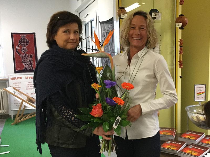 Blumen für die Autorin Barbara Zinstag