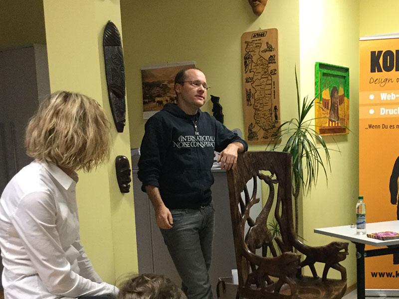 """Andy Kopp, Inhaber von Togo-Contact und Herausgeber von """"Nie wieder hintern Busch"""" …"""