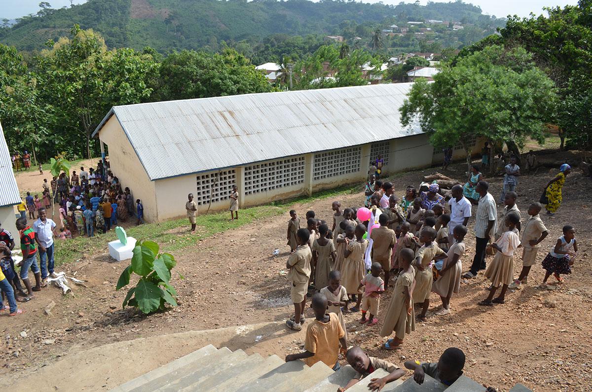 Im Aimes Afrique-Dorf Kouma Apoti